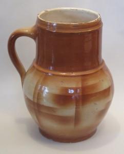 Kameninový džbán