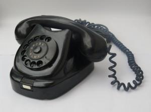 Bakelitový telefon